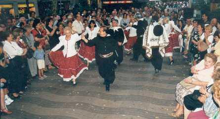 Bailando en las ramblas de Barcelona